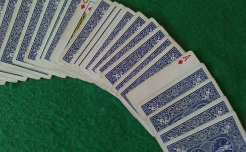 sekrety-fokusov-s-kartami-dlya-nachinaushih-9