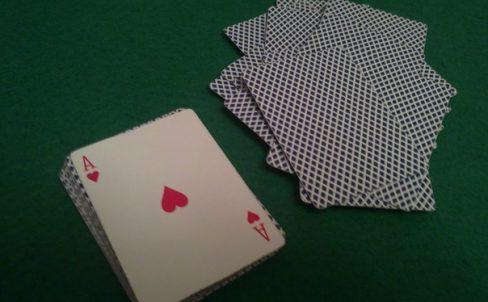 fokus-s-kartami-dlya-novichkov-ugadaj-kartu-5