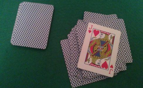 fokus-s-kartami-dlya-novichkov-ugadaj-kartu-4