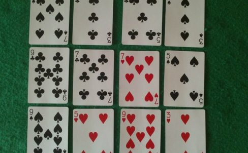 fokusy-s-kartami-ugaday-kartu-1