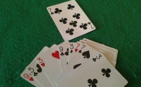 fokusy-s-kartami-ugaday-kartu-12