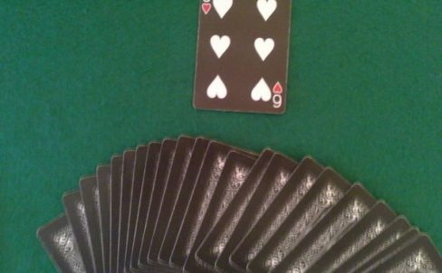 nauchitsya-pokazivat-fokusy-s-kartami-6