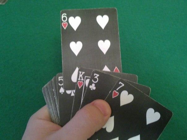 Научиться показывать фокусы с картами