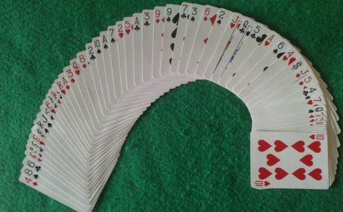 kak-delat-prostye-fokusy-s-kartami