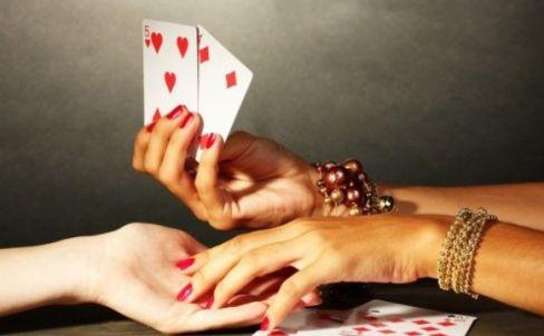 gadanie-na-igralnyh-kartah-na-lyubov-chto-u-vas-s-nim-budet